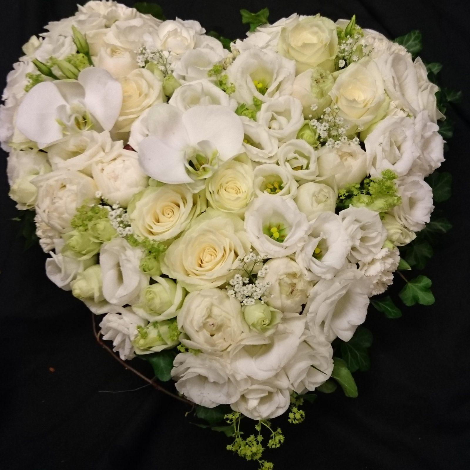 Blomsterhjerte-i-hvitt.jpg